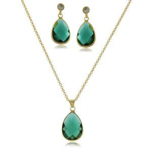 a73915bdac ... que tal pensar em um conjunto de joias ou semijoias  Escolha uma peça  que combine com o estilo da sua mãe. Existem algumas joias que são mais  modernas e ...